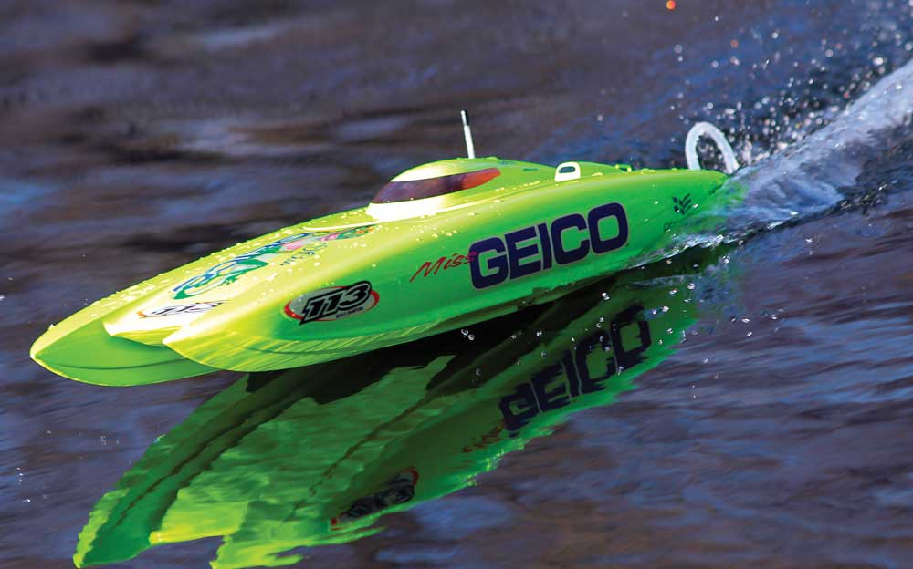 Review: Pro Boat Miss Geico 24