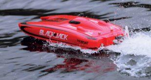 Pro-Boat's-Blackjack-24-RC-Catamaran-Reviewed--6
