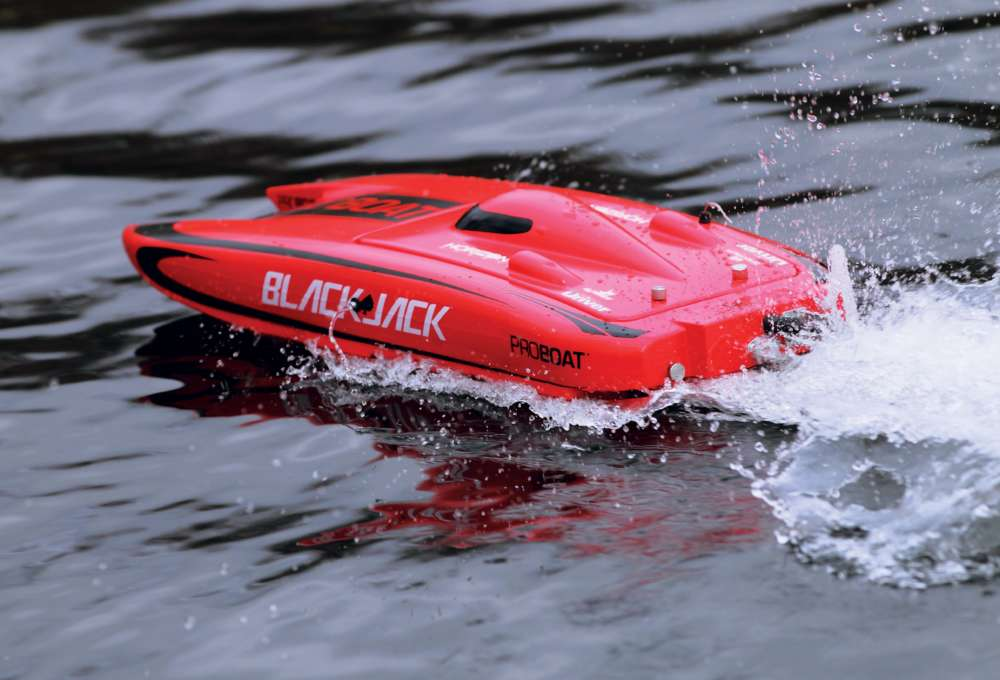 Pro-Boat's-Blackjack-24-RC-Catamaran-Reviewed--6