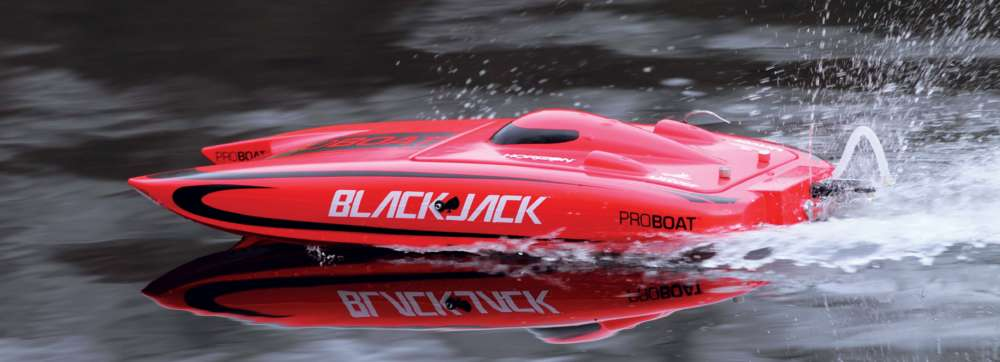 Pro-Boat's-Blackjack-24-RC-Catamaran-Reviewed--9