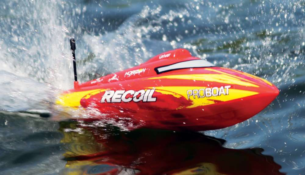 "RC-Boat-Review;-Pro-Boat-Recoil-17""-Deep-V-1"